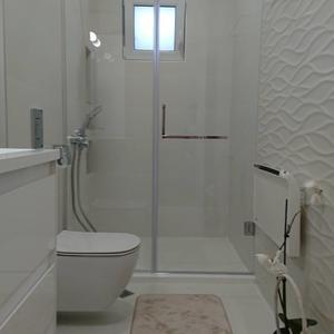 Параван за баня по индивидуален размер GR1