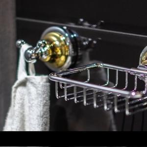 Аксесоари за баня серия RETRO- злато/ хром