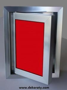 Ревизионна вратичка - Червено стъкло